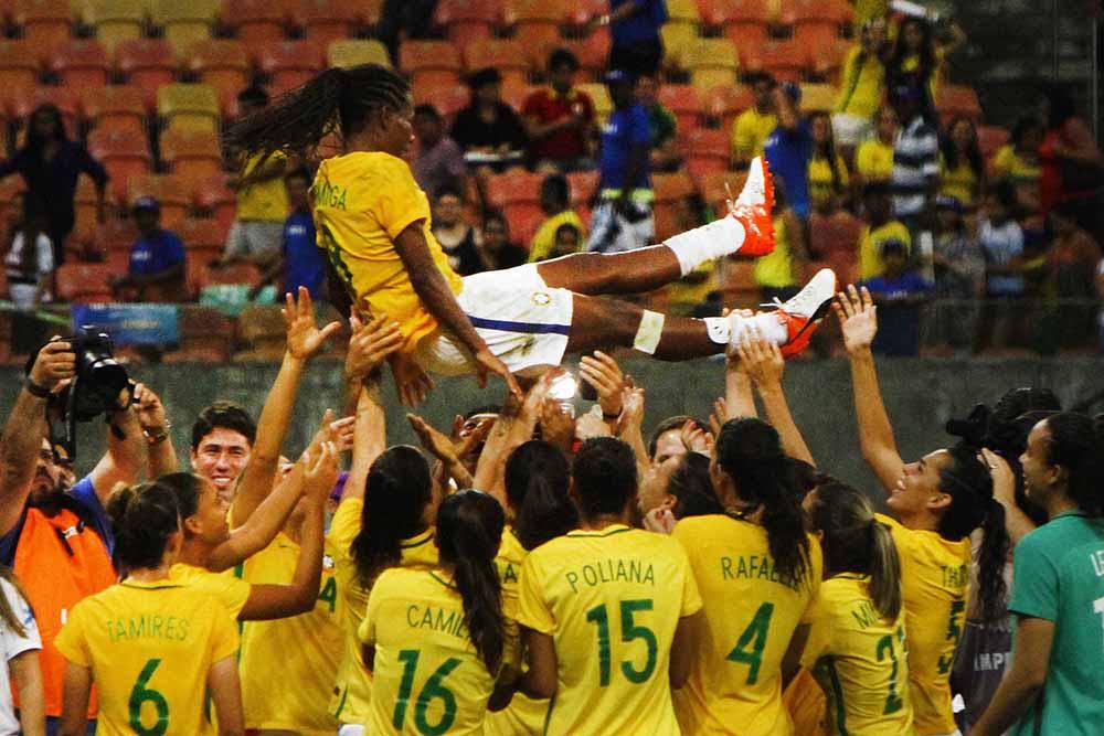 Brasil vence Itália e conquista o hepta da Copa Caixa Internacional de  Seleções de Futebol Feminino - Portal do Marcos Santos 04463482603a9