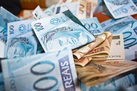O 13º salário ajuda a movimentar a economia do Estado