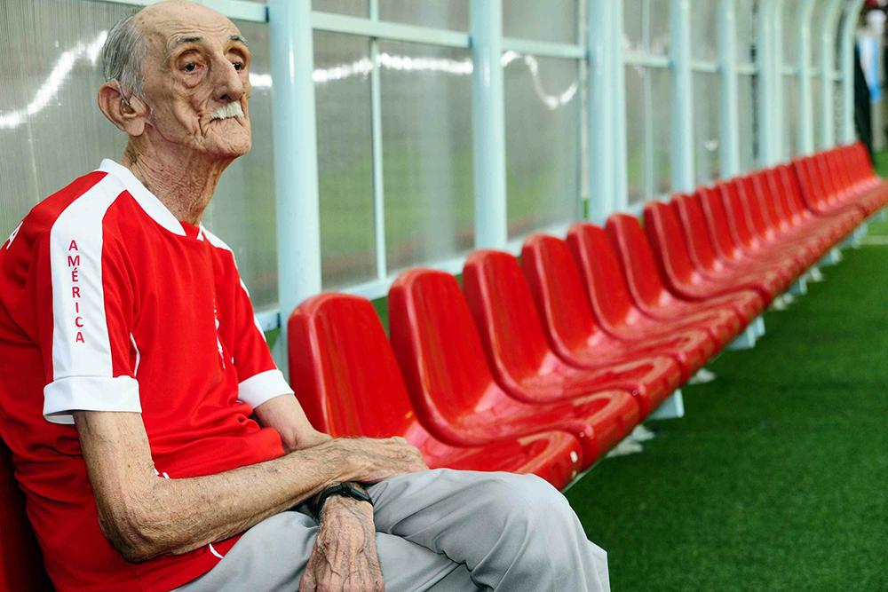 Amadeu Teixeira foi o técnico mais longevo do futebol mundial