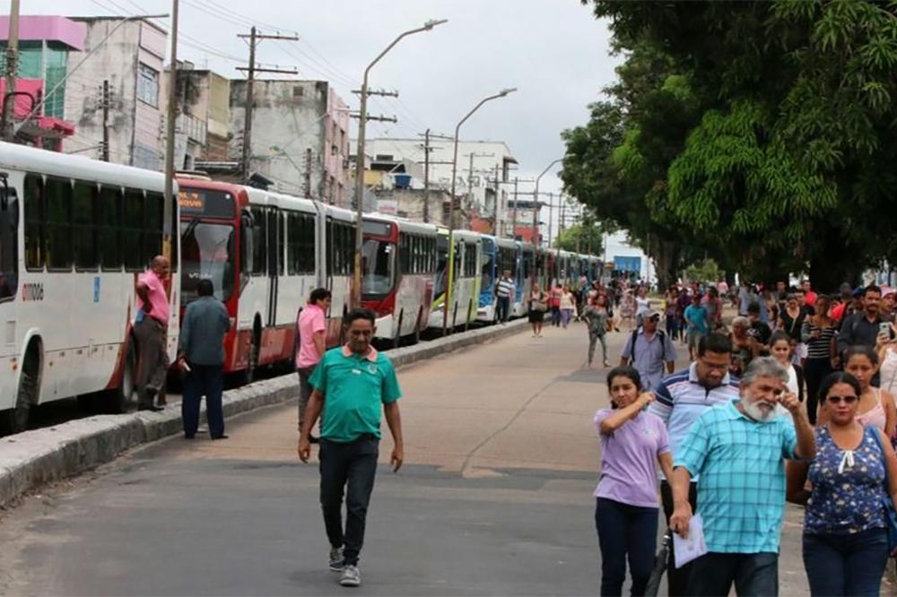 Rodoviários param cidade após vista em dissídio